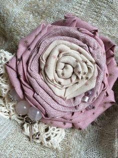 """Купить Брошь текстильная """"Шебби"""" - кремовый, молочный, экрю, пепельно-розовый, пепельная роза"""