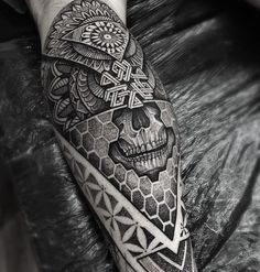 Geometric sleeve geometric mandala and geometric mandala tattoo to use and take to your artist. Tattoos Bein, Body Art Tattoos, Sleeve Tattoos, Tattoos For Guys, Cool Tattoos, Maori Tattoos, Octopus Tattoos, Forearm Tattoos, Tattos