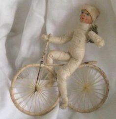 Раритетная антикварная игрушка из ваты. Мальчик на велосипеде. Германия, 19 в