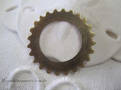 SAVE 10% use coupon code PIN10 Antique oxidized brass round #gear ring, great for many different jewelry designs.  Quantity: 2  Size: 25mm    ITEM#: FDG1-V3-15   Please stop by my other Etsy shop... #supplies #handmade #findings