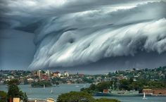 An enormous shelf cloud forms off the coast of Sydney. Images of it went viral around the world.