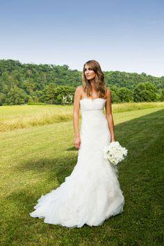 Wedding Dress- Vera Wang Fawn. Love!!