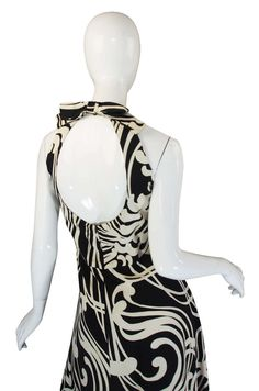 1970s Graphic Geoffrey Beene Silk Backless Dress   From a collection of rare vintage evening dresses at https://www.1stdibs.com/fashion/clothing/evening-dresses/