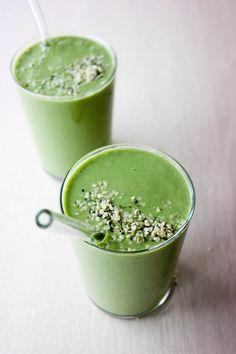 Grønn smoothie med spinat og grønnkål