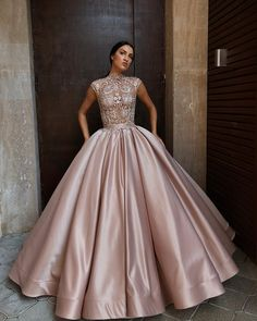 291.1k Followers, 193 Following, 1,408 Posts - See Instagram photos and videos from LS (@liastubllaofficial) Prom Dresses With Sleeves, Ball Dresses, Bridesmaid Dresses, Midi Dresses, Wedding Dresses, Pretty Dresses, Beautiful Dresses, Lace Evening Gowns, Champagne Evening Gown