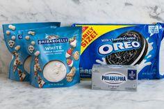Oreo Balls Oreo Truffles Milk Cookies, Oreo Cookies, Almond Joy Truffles Recipe, No Cook Desserts, Health Desserts, Delicious Desserts, Easy Holiday Desserts, Fondant Tips, Peanut Butter Balls