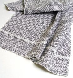handwoven shadow twill towel with end motif by metroweaving