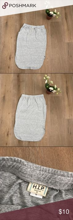 HIP sweatshirt skirt size M HIP sweatshirt skirt size M. Super cute!!!  Pair with your favorite retro sneakers 👟. 🎈😉 HIP Skirts Midi