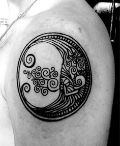 Moon tattoo. Still looking for a preliminary style for my tattoo design... #4 before Christmas. That's the plan... XD