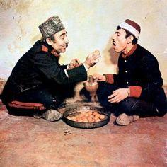 Şekerpare (1983) Şener Şen, İlyas Salman.  En güzel filmler bizim filmlerimiz, bizim insanımızdan daha güzeli, daha candanı yok ki bu dünyada.