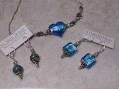 Vintage designs by Sue Shefts! Crafts To Do, Lampwork Beads, Vintage Designs, Glass Art, Swarovski Crystals, Glass Beads, Vintage Jewelry, Artisan, Jewelry Design