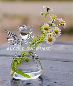 This cute Guardian Angel Flower Vase makes it look like the angel is holding your flowers for you! Let them remind you that your guardian angel is nearby! Perfect for outdoor patios or window sills. These make great gifts for those special moms a. Flower Planters, Flower Vases, Flower Arrangements, Flower Containers, Flower Vase Making, Led Balloons, Hanging Vases, Flowers For You, Guardian Angels