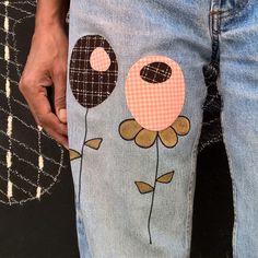Rapiécez et customisez un pantalon avec des #thermocollants. Retrouvez des formes de découpe originales et le mode d'emploi détaillé sur www.polkadot.fr. A vous de jouer maintenant...