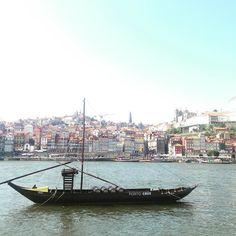 Nice view!  #porto #ribeira #barcorebelo #portocruz #sandeman #caisdegaia #instagram #instadaily #intapic #river #douro by soninhah