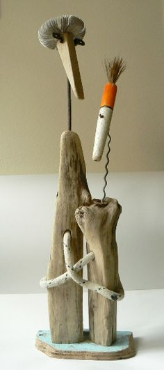 Driftwood sculptures in wood art with Wood Sculpture Recycled Art driftwood Beach Crafts, Diy And Crafts, Arts And Crafts, Driftwood Sculpture, Driftwood Art, Driftwood Projects, Junk Art, Nature Crafts, Recycled Art