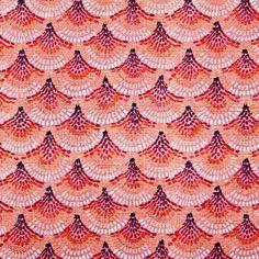 Escamas de peixe nadam, por esta mescla de algodão poliester, em tons de laranja. Um padrão de cores vibrantes e enérgicas sugerido para sofás e apontamentos decorativos.