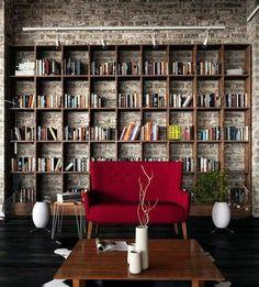 壁一面に本の収納。|本の写真日記