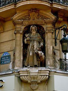 Rue du Faubourg Saint-Denis in the 10th arrondissement.