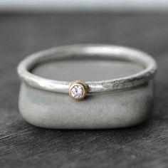 Anello diamante piccolo 18k oro e argento Stack di LilianGinebra