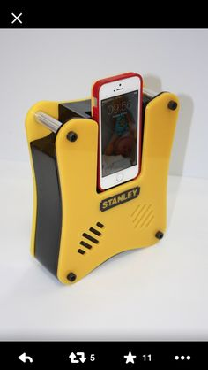 Speakal iCrystal 30-Pin iPod Speaker Dock http://www.amazon.com/gp ...