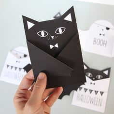 DIY Halloween DIY Halloween Cards Ideas Source by meandmyinsanity Bricolage Halloween, Diy Halloween, Theme Halloween, Manualidades Halloween, Halloween Birthday, Halloween Cards, Holidays Halloween, Happy Halloween, Halloween Decorations