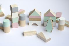 Image of NEW! Wooden blocks: Spring colours - 30 pieces in cotton bag