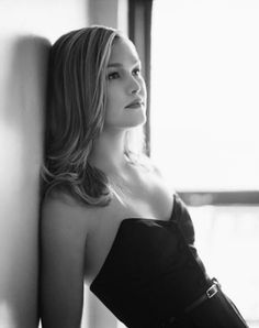 Sarah Dunn Sarah Dunn, Evangeline Lilly, Liv Tyler, Rachel Weisz, Naomi Watts, Amy Adams, Nicole Kidman, Jennifer Lawrence, Angelina Jolie