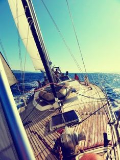 Would love to learn how to sail one of these some day.