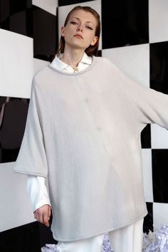 See the complete Edeline Lee Fall 2016 Ready-to-Wear collection.
