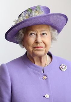 Queen Elizabeth II - Another beautiful hat & another great expression