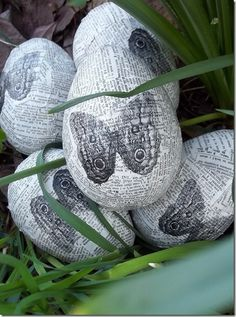 Imagine these ... so beautiful and you can use them year after year. The kids will like making them too :-)