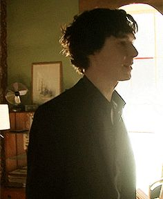 """""""What continues to amaze me is how you can tell instantly if this is Ben or Sherlock....he may be dressed as Sherlock...but this gif is all Ben."""" <-- :3"""