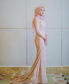 Hijab Dress, Hijab Outfit, Dress Outfits, Hijab Fashion Inspiration, Style Inspiration, Trendy Dresses, Formal Dresses, Model Kebaya, Muslim Wedding Dresses