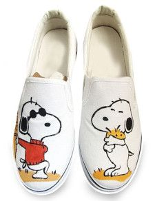 My sister n law would love these painted snoopy shoes