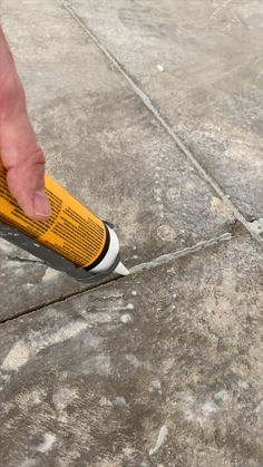 Epoxy Floor Diy, Epoxy Garage Floor Coating, Garage Floor Paint, Garage Floor Coatings, Garage Interior, Interior Design Living Room, Room Ideas Bedroom, Diy Bedroom Decor, Home Stairs Design
