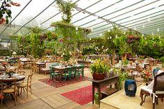 Constance Zahn - Blog de casamento para noivas antenadas Lounge, Layout, Patio, Vip, Outdoor Decor, Plants, Wedding Blog, Wedding Decoration, Wedding Binder