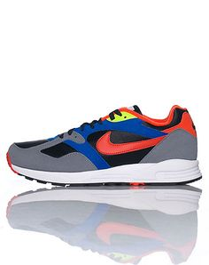 NIKE Mens low top sneaker Lace up closure Nylon accents Padded tongue with logo Cushioned sole for ultimate comfort and performance