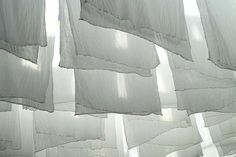 .ahwwwww.love the smell of linens hung outside..spring is almost here!
