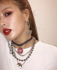 Hyuna Twitter, Kpop Girl Groups, Kpop Girls, Hyuna Fashion, My Girl, Cool Girl, Hyuna Kim, Rapper, She's A Lady