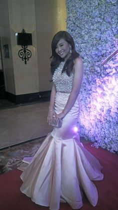 It's nighttime but Miles Ocampo's megawatt smile can definitely light up the sky Star Magic Ball, Prom Dresses, Formal Dresses, Night Time, Light Up, Sky, Smile, Celebrities, Fashion