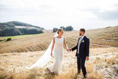 De 11 populairste trouwleveranciers op een rij! | ThePerfectWedding.nl  #populairste #trouwleveranciers #theperfectwedding #meestgekozen #meestgeboekt #entertainment #bruidstaart #trouwpak #bruidegom #bruidsmake-up #bruidskapsel #trouwjurk #trouwfotograaf #trouwambtenaar Destination Wedding Locations, Pre Wedding Photoshoot, Italy Wedding, Plus Size Wedding, Wedding Photography, Wedding Dresses, Tuscany Italy, Inspiration, Europe