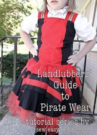 Heather from Sew Easy Being Green shares a two-part tutorial showing how she made this awesome pirate costume for her young daughter. Halloween Scene, Diy Halloween Costumes, Cool Costumes, Costume Ideas, Pirate Costumes, Halloween Crafts, Happy Halloween, Tutu Dress Tutorial, Costume Tutorial