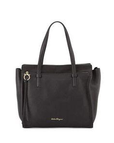 V2NXY Salvatore Ferragamo Amy Large Leather Tote Bag, Nero