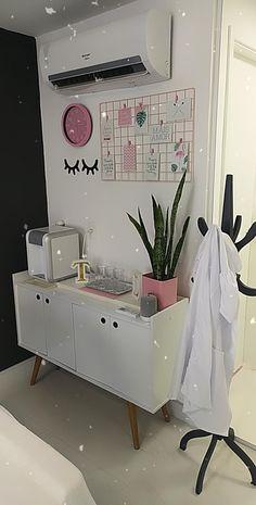 Spa Room Decor, Cute Room Decor, Diy Home Decor, Bedroom Decor, Esthetics Room, Lash Room, Nail Designer, Room Setup, Beauty Room