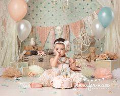 smash the cake vintage Baby Cake Smash, 1st Birthday Cake Smash, Half Birthday, Birthday Cake Girls, Birthday Cakes, Birthday Girl Pictures, 1st Birthday Photos, Birthday Ideas, Vintage First Birthday