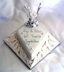decorations for wedding anniversary Diamond Anniversary Cake, Wedding Anniversary Cakes, Anniversary Ideas, Diamond Wedding Cakes, Gift Wrapping, Cake Ideas, Image, Party Ideas, Wedding Ideas