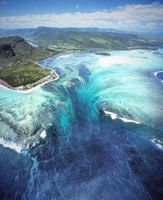 """Underwater Waterfall"" illusion of Mauritius (www.facebook.com/BeautyOfMauritius)"