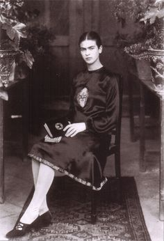 Frida reminds me of my mother. This woman is creativity completely blows me away! She drew what she felt and imagined.. Deep graphic raw portraits!