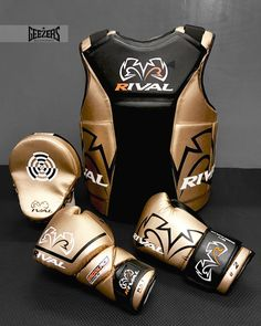 BLACK & GOLD Rival's gold range featuring their NEW RAPM pro punch boxing mitts. Check them out in the link below: LINK ➡️ http://www.geezersboxing.co.uk/catalogsearch/result/?manufacturer=140&q=rival%20boxing #Rival #Boxing #RivalBoxing #boxing #sparring #coaching #gold #pad #bodyprotector #gloves #boxinggloves #pro #Geezers #GeezersBoxing