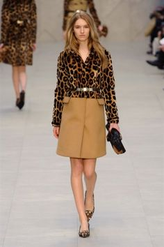 Burberry Prorsum Fall 2013 RTW - Runway Photos - Fashion Week - Runway, Fashion Shows and Collections - Vogue - Vogue Burberry Prorsum, Burberry Coat, Plaid Fashion, Tomboy Fashion, Winter Fashion, London Fashion Weeks, Runway Fashion, Fashion Show, Fashion Design
